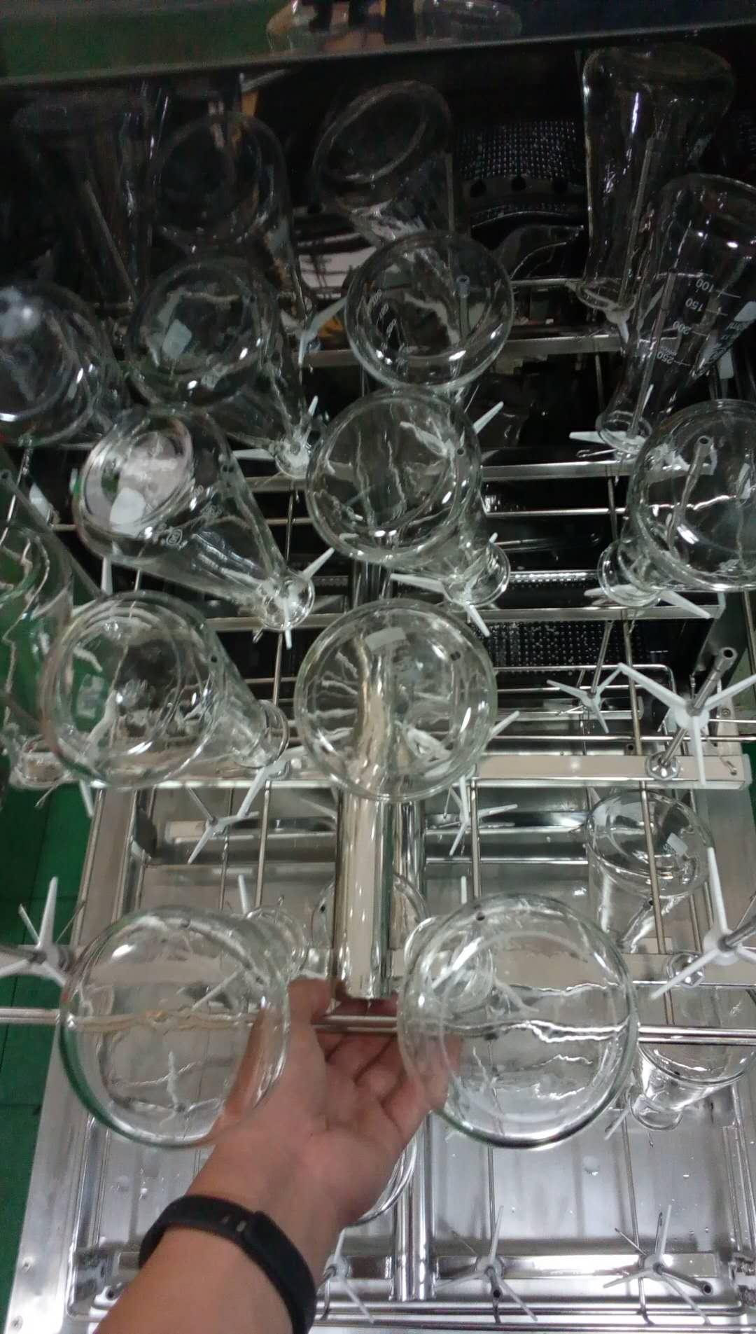 601367457484804583.jpg 烧杯、容量瓶、锥形瓶等不一样的清洗方式 公司动态 第14张